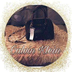 Handbags - Brand New! Beautiful✨Calvin Klein 👜